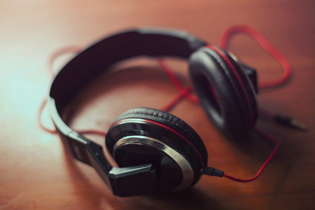 Herramienta Para Un Transcriptor Online: Audifonos